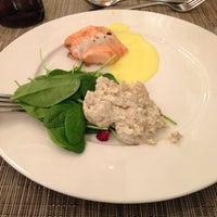 Foto tomada en Imperium Restaurant - Jumeirah Zabeel Saray por Y_yula el 1/3/2013