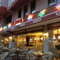 6/13/2013 tarihinde Halilziyaretçi tarafından Kıbrıs Pastanesi'de çekilen fotoğraf