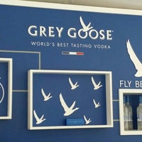 Photo taken at Grey Goose 19th Hole Lounge by JP on 8/5/2015