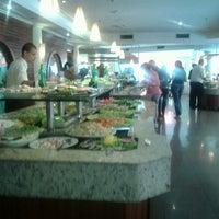 Das Foto wurde bei Lótus Restaurante Vegetariano von Yuri A. am 1/14/2013 aufgenommen