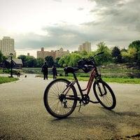 Das Foto wurde bei Central Park - North End von Minjay S. am 5/18/2013 aufgenommen