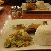 Photo taken at Max's Restaurant by Eyphrille C. on 6/18/2013
