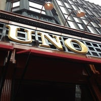 Photo taken at Uno Pizzeria & Grill - Boston by Lulu R. on 10/30/2012