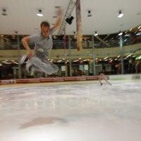 Foto diambil di Айс Холл / Ice Hall oleh Denys D. pada 9/24/2012
