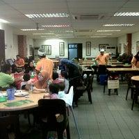 Photo taken at Restoran Cina Muslim Mohd Chan Abdullah by Hisyam I. on 2/1/2013