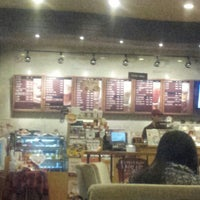 Photo taken at TOM N TOMS COFFEE by Sunyong S. on 2/23/2013
