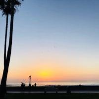 Foto tirada no(a) Mission Beach por Won K. em 2/7/2018