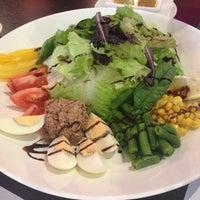 รูปภาพถ่ายที่ Linas Cafe โดย Lyosya L. เมื่อ 9/29/2013