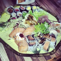 Foto tirada no(a) Cheri Sushi por Bruu Marezze L. em 10/25/2012