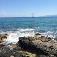 Photo taken at Пляж Aldemar Knossos by Димитрий Ф. on 6/20/2015