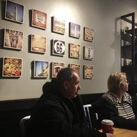 12/28/2016 tarihinde Anna M.ziyaretçi tarafından Peet's Coffee & Tea'de çekilen fotoğraf