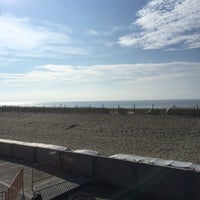 Photo taken at Beach @ 128th St by Burnie 1 on 8/16/2016