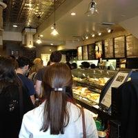 Photo prise au Starbucks par Khalid A. le9/29/2012