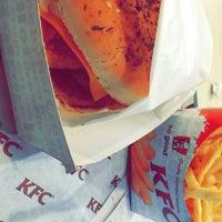 Photo taken at KFC كنتاكي by يمان Y. on 3/31/2015