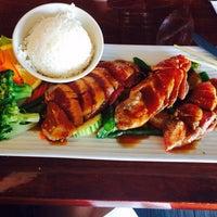 Photo taken at Thai Hana Restaurant & Sushi Bar by Koky L. on 8/7/2014