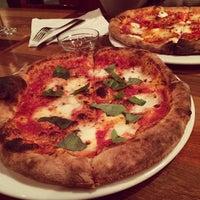 รูปภาพถ่ายที่ Life of Pie Pizza โดย S เมื่อ 12/10/2013