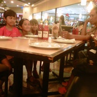Photo taken at Pizza Hut by Dewi L. on 2/4/2013