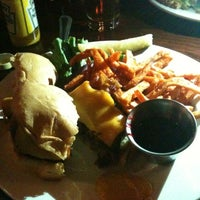Photo taken at Hanson's Grill & Tavern by Gisele A. on 2/9/2013