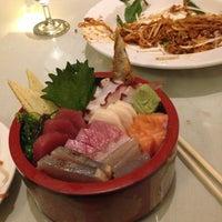 11/10/2013 tarihinde Tara G.ziyaretçi tarafından Jae's Asian Bistro and Sushi Bar'de çekilen fotoğraf