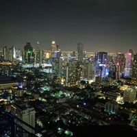 Foto tirada no(a) Zoom At Sathorn Sky Bar And Resturant por andy d. em 1/3/2017