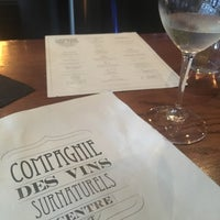 Foto tirada no(a) La Compagnie des Vins Surnaturels por jeffrey a. em 7/30/2017
