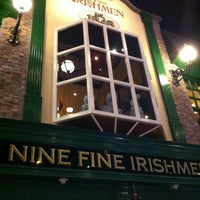 Photo prise au Nine Fine Irishmen par Matthew K. le6/24/2013