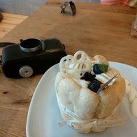 Photo taken at 樂緹波兒 La petite tarte by lordcolus L. on 6/4/2014