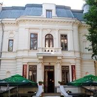 Photo taken at Grand Café Galleron by Bogdan Andrei B. on 4/1/2016