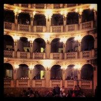 รูปภาพถ่ายที่ Teatro Comunale โดย Manuela S. เมื่อ 9/27/2012
