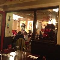 Das Foto wurde bei Café Rouge von Derya D. am 10/24/2012 aufgenommen