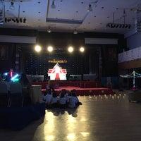 Photo taken at หอประชุมมหาวิทยาลัยหอการค้าไทย by Tatchwan J. on 9/27/2016