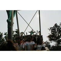 Foto diambil di Wahana Kora-Kora (Boat Ride) oleh Billi R. pada 1/6/2014