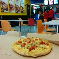 Photo taken at Domino's Pizza by Edmund on 12/14/2014