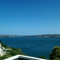 Photo taken at Taylors Bay by Fatih A. on 12/19/2016