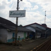 Photo taken at Mie Baso H. Oding / AGA by Ronald C. on 8/16/2014