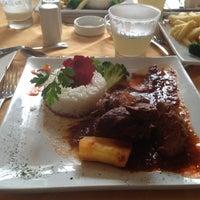 Foto tomada en Sol Restaurant por Francisco G. el 10/27/2012