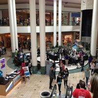 3/22/2013にChristina B.がWoodland Hills Mallで撮った写真