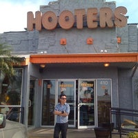 Photo taken at Hooters by J. Rockdrigo Z. on 4/6/2013