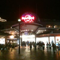 Photo taken at Hard Rock Cafe Sydney by Indrajid N. on 3/31/2013