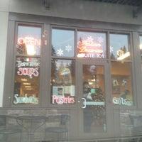Foto scattata a Di Tazza Cafe da Emilio P. il 12/14/2012