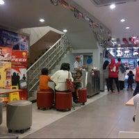 Photo taken at KFC by Benk S. on 7/7/2014