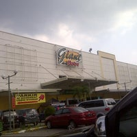 Photo taken at Giant Hypermarket by Benk S. on 8/18/2013