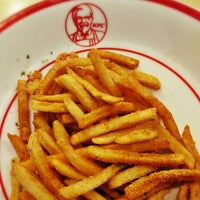 Photo taken at KFC / KFC Coffee by Fernando M. on 10/9/2015