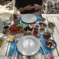 Das Foto wurde bei Noni's House von Gökhan B. am 8/10/2017 aufgenommen
