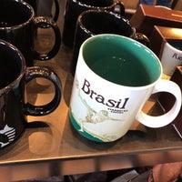 Foto tirada no(a) Starbucks por Geissler P. em 1/2/2018