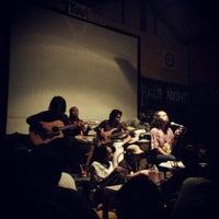 Photo taken at Cangkir Jawa by Fauzia D. on 5/14/2013