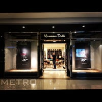 Photo taken at Massimo Dutti by MTS M. on 6/21/2014