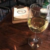 Das Foto wurde bei Newton 272 Wine & Mezcal Room von Don Porfirio D. am 11/4/2017 aufgenommen