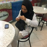 Photo taken at Dunkin' Donuts by Naza N. on 10/20/2015