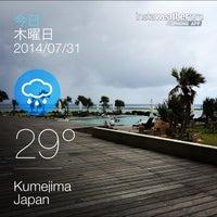 Photo taken at シンリ浜 by Kenji N. on 7/31/2014